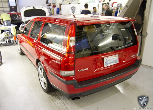 enthusiast auto detail and leather conditioning on volvo v70 r northwest auto salon. Black Bedroom Furniture Sets. Home Design Ideas